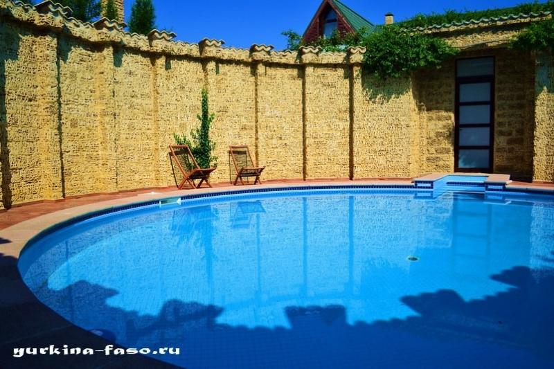 БРОНИРОВАНИЕ Дома у моря с бассейном в Крыму