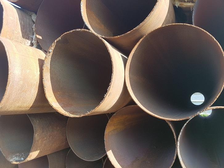 ООО Стальной контракт реализует трубы бу 720х8мм и 720х9мм.