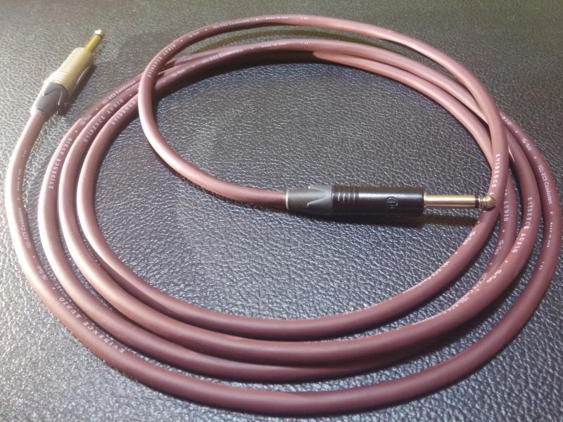 Продам гитарные кабели Evidence Forte 3 м.