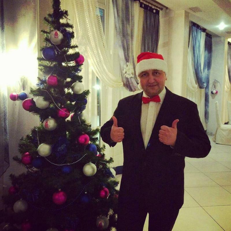 Ведущий, ди джей, живая музыка, Дед Мороз на Новый год корпоратив