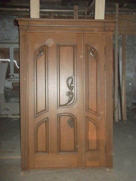 Качественные - входные утепленные двери - из дерева.