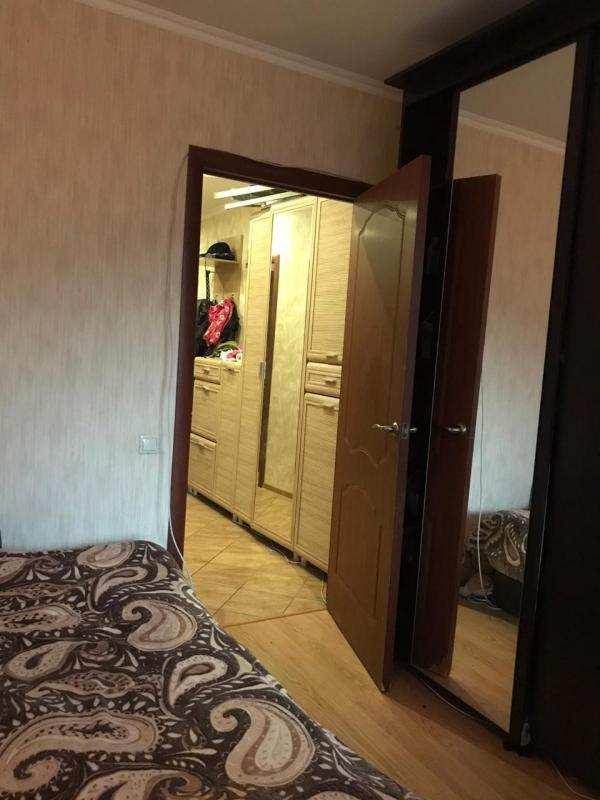 Сдаю двухкомнатную квартиру у м. Лухмановская от собственника.